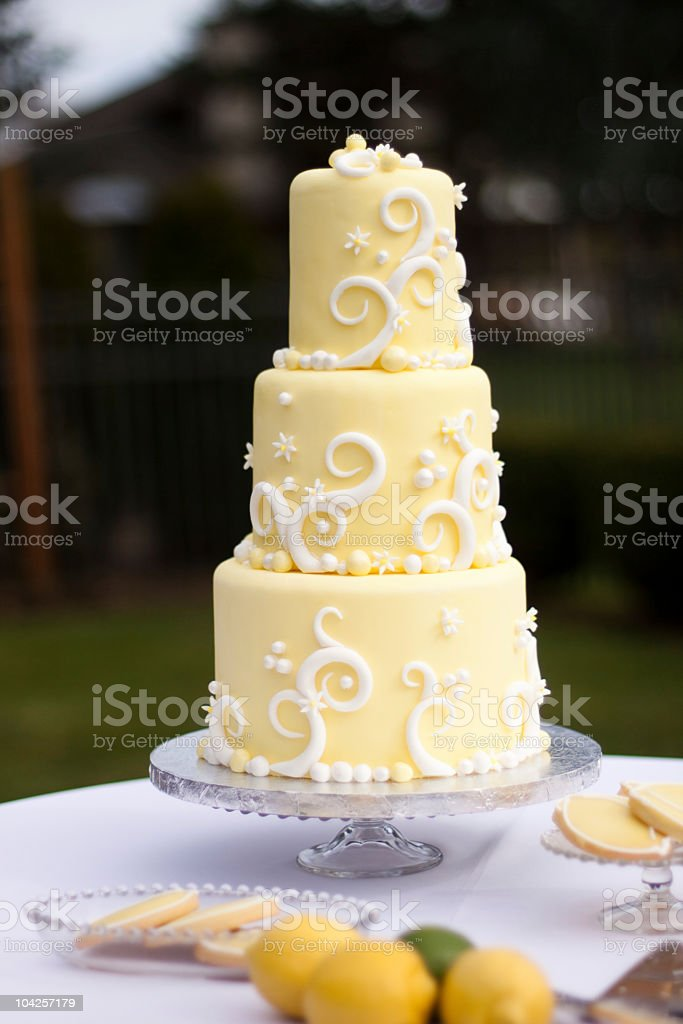 Wedding Cake Stock Photo & More Pictures of Cake Tier | iStock