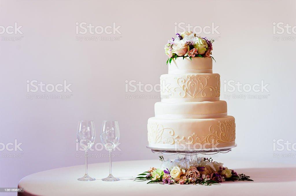 Bolo de casamento - foto de acervo