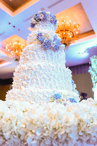 wedding cake - big cake stock photos and pictures