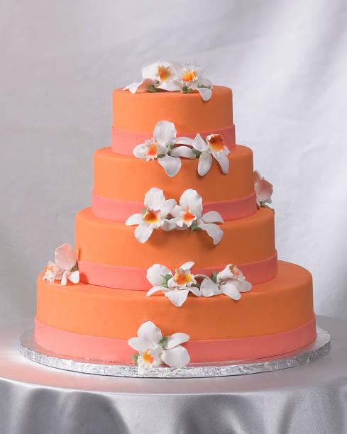 hochzeitstorte  - orange hochzeitstorten stock-fotos und bilder