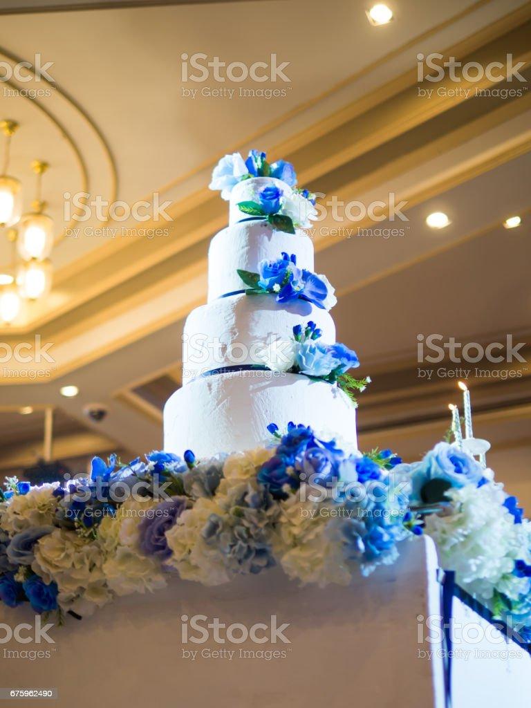 Hochzeitstorte Sussen Blauen Und Weissen Grossen Teich Stock Fotografie