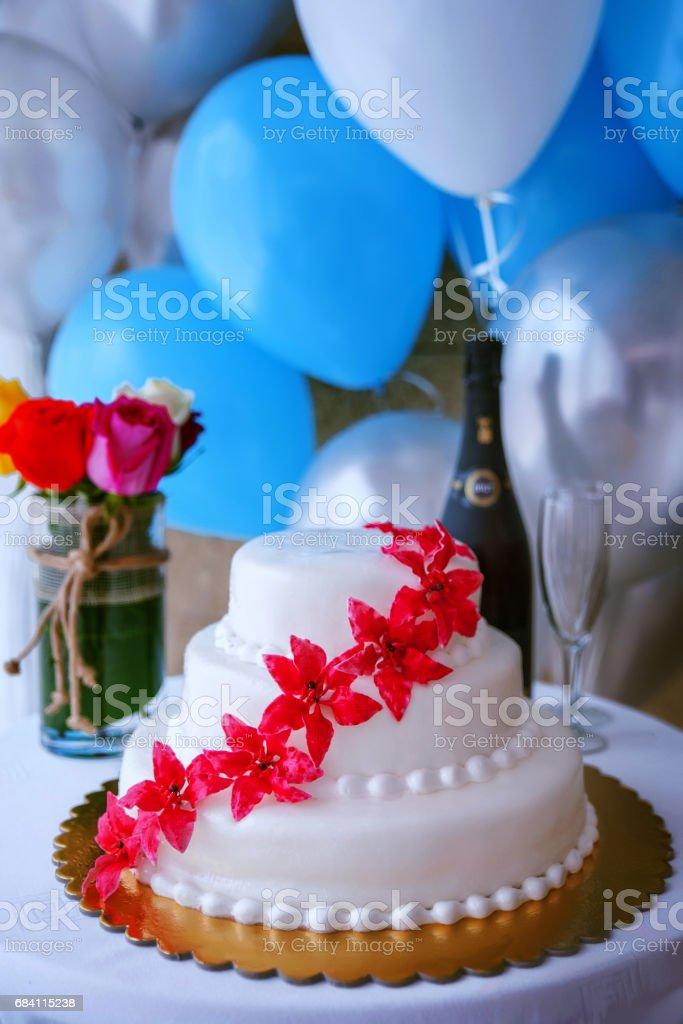 Arreglo de mesa de la torta de boda - foto de stock