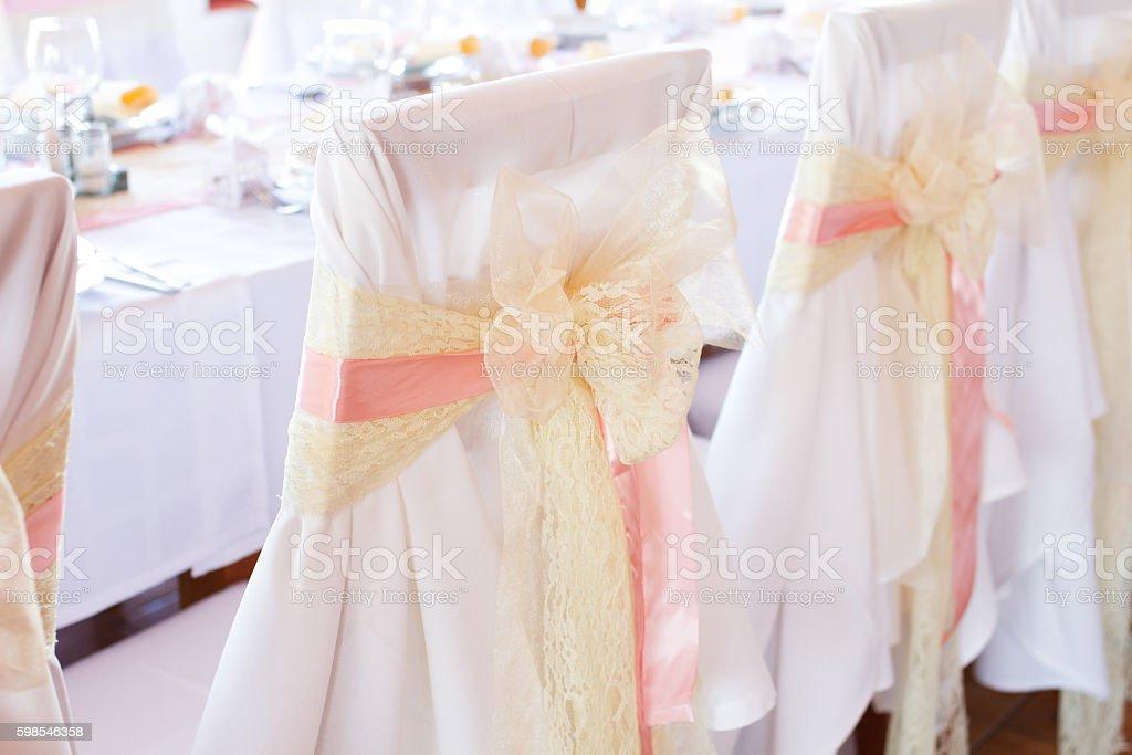 wedding chair with ribbon photo libre de droits