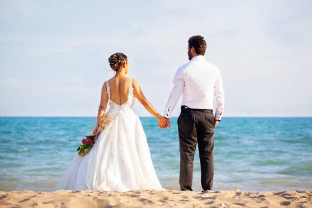 Hochzeitspaar am Meer. – Foto