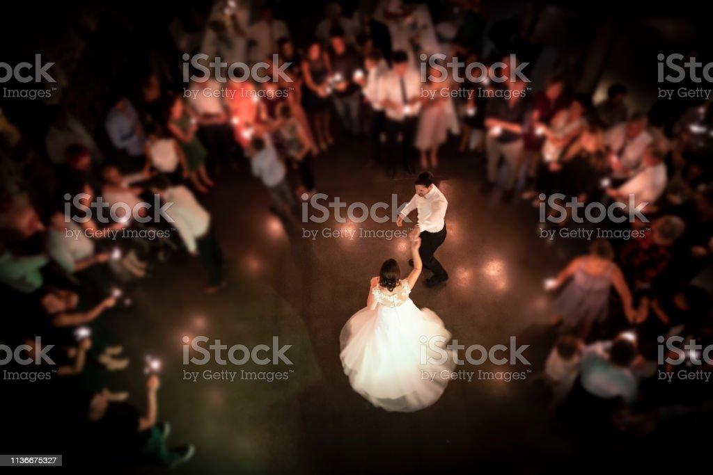 wedding couple dancing at their party - Zbiór zdjęć royalty-free (Austria)