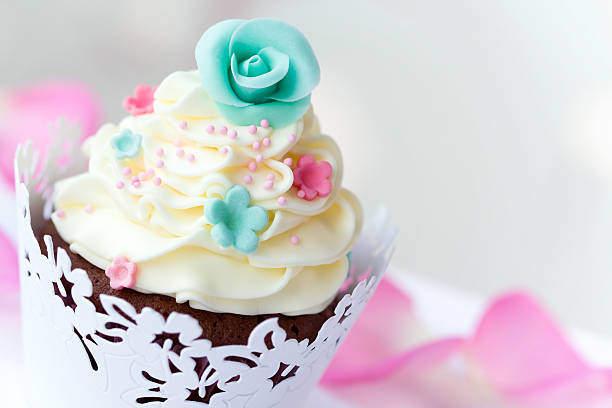 Wedding cupcake picture id97973808?b=1&k=6&m=97973808&s=612x612&w=0&h=5cbf7fdjjooc1stkxm1nsztitpebxyp7pwzqbwnhqes=