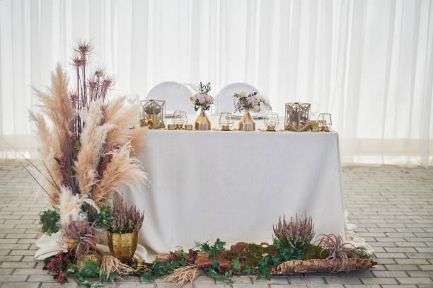 Wedding decoration in boho stylelight colors in the tentwedding table picture id1172423189?b=1&k=6&m=1172423189&s=612x612&w=0&h=hk1cf0aqinmopkohsc vmrzrnigbgr0z22 hbasnj0y=