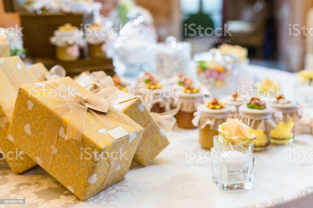Wedding gifts for wedding guest - Stock image . & Wedding Gifts For Wedding Guest Stock Photo u0026 More Pictures of ...