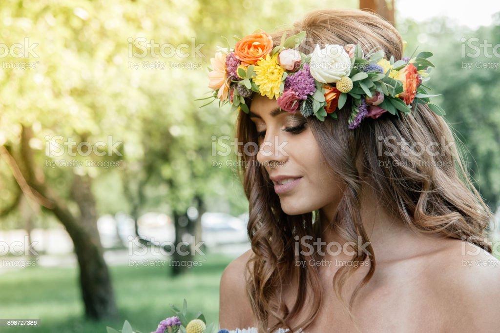 Hochzeit Frisur Braut Mit Blumen Kranz Hochzeitsevent Stockfoto Und