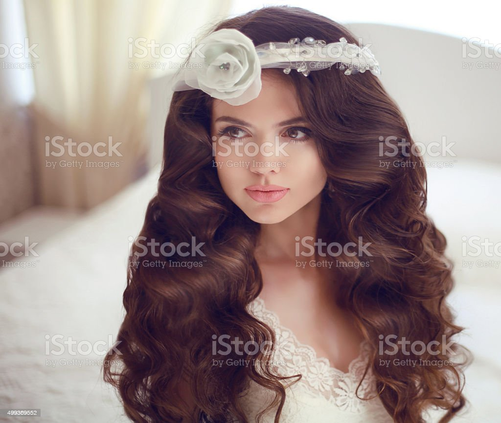 Hochzeit Frisur Schone Brunette Madchen Model Braut Stock Fotografie