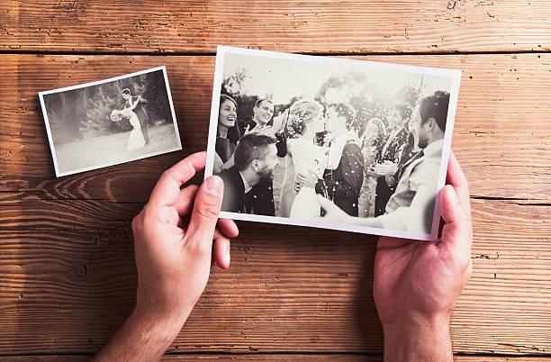 hochzeit fotos - bräutigam tisch stock-fotos und bilder