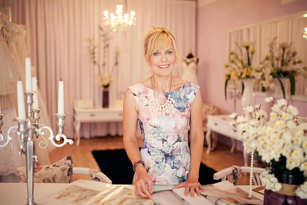 wedding planer - hochzeitskleid über 50 stock-fotos und bilder