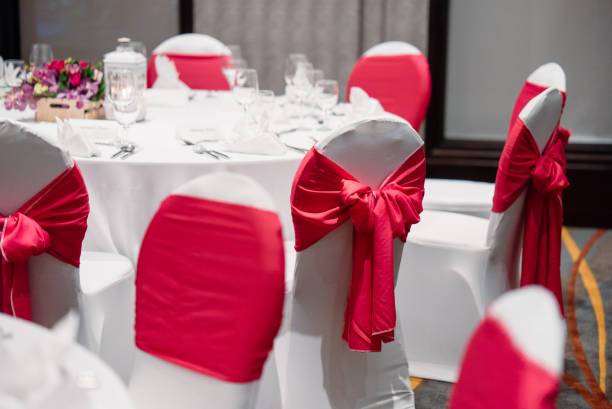 Wedding reception dinner table setup in white and red theme picture id946872600?b=1&k=6&m=946872600&s=612x612&w=0&h=kwdr1v9bv2rq7tuijwg0oekfhzok1jz2 iv5e4w9roc=