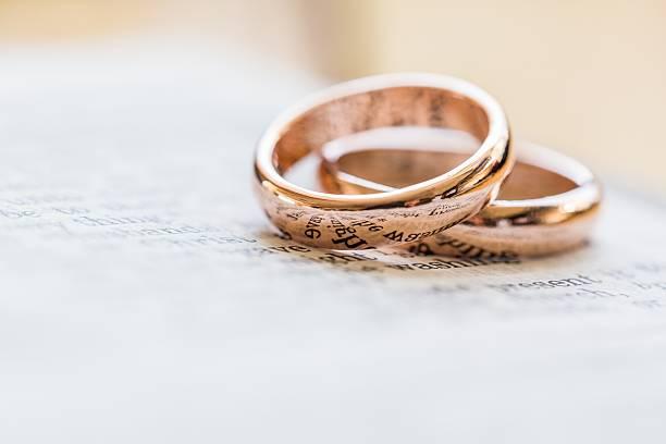 ehering  - heiratsantragsring stock-fotos und bilder