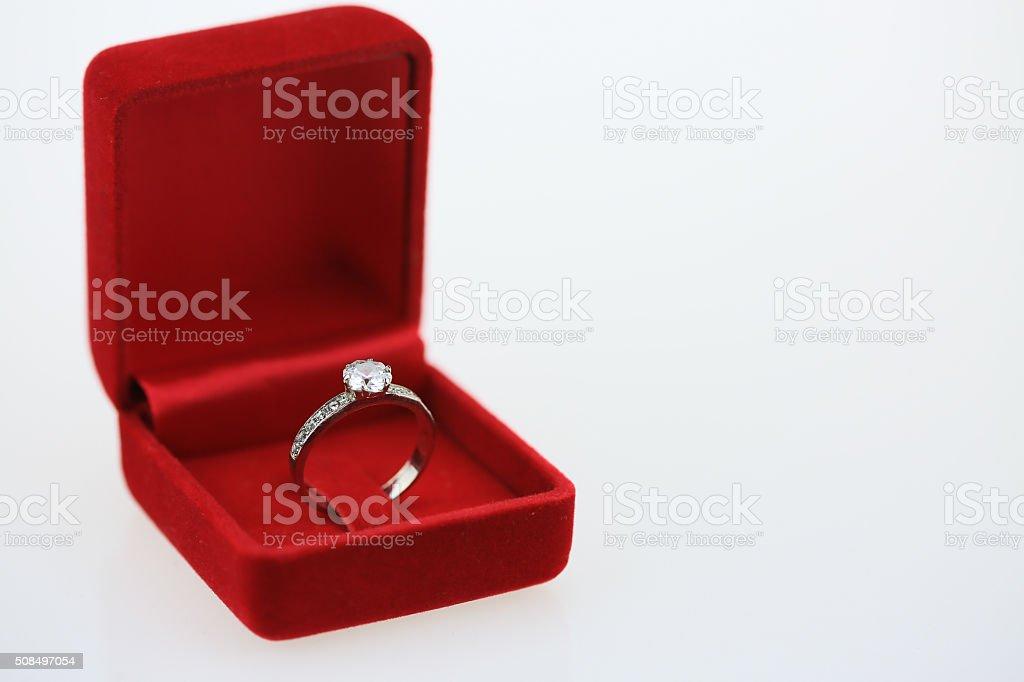 Hochzeit Ringe Hintergrund Schone Silber Ring Im Roten Feld Stock