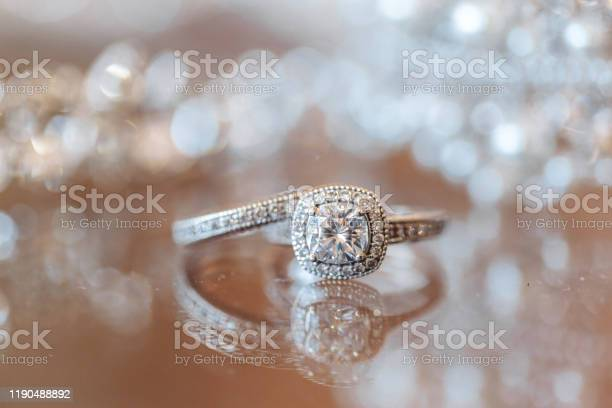 Wedding rings on brides bouquet picture id1190488892?b=1&k=6&m=1190488892&s=612x612&h=wtnf quuc1bau0iueiiidzxav6jargsge6cv7umxxbw=