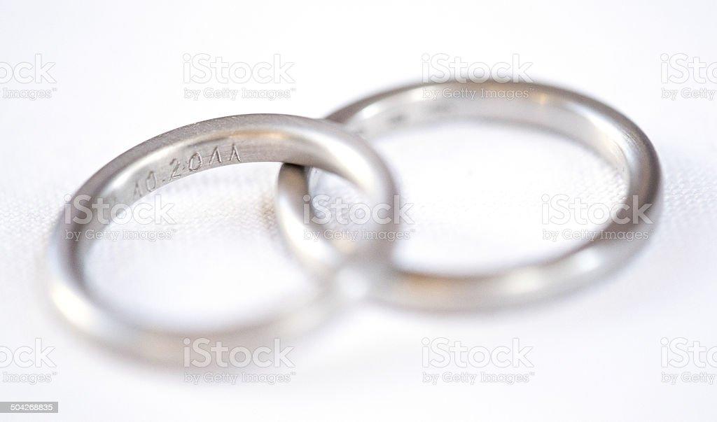 Wedding Rings Zwei Silberne Hochzeitsringe Stock Photo Istock