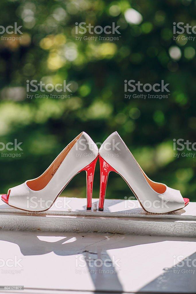 Foto La De Zapatos Más Banco Stock Boda Definición Y Alta 1JK3uTlF5c