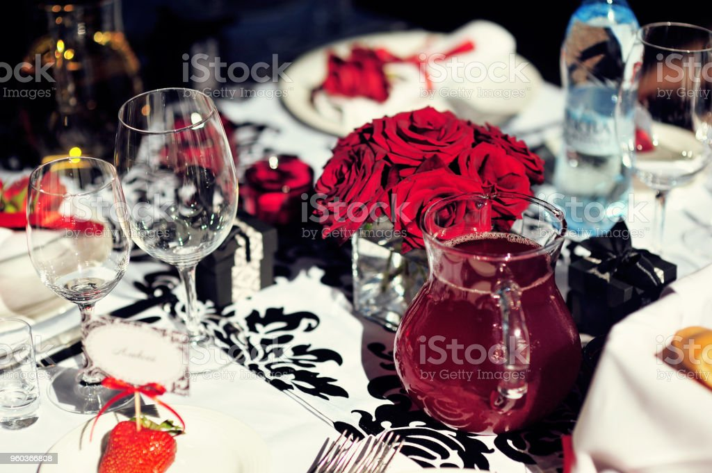 Magnificent Wedding Table Decoration With Flowers And Art Elements Download Free Architecture Designs Scobabritishbridgeorg