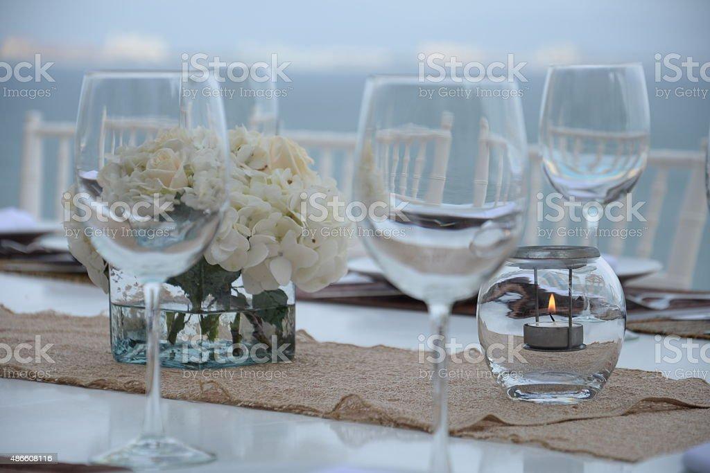 Hochzeitstafel am Strand – Foto
