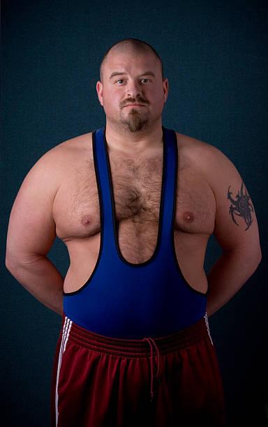 levantador de pesas - hombres grandes musculosos fotografías e imágenes de stock
