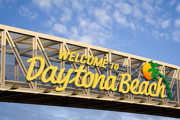 welcome to daytona beach - daytona 500 stock photos and pictures