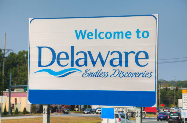 welcome to delaware road sign - place sign stock pictures, royalty-free photos & images