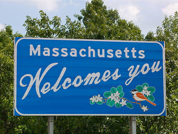 welcome to massachusetts - massachusetts stockfoto's en -beelden