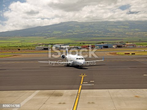 istock Welcome to Maui 839014766