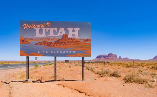 welkom bij utah - arizona highway signs stockfoto's en -beelden