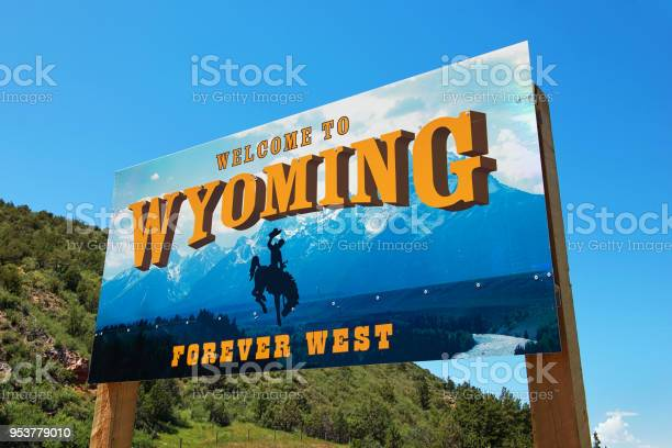 Welcome to wyoming sign picture id953779010?b=1&k=6&m=953779010&s=612x612&h=gdzohyiqav0qdntcdeivjydctxhh5fqntm7 ggb5e g=