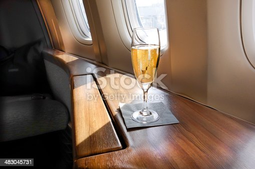 istock Welcoming Champagne 483045731