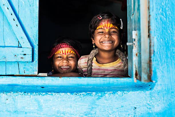 welcoming faces - mumbai stockfoto's en -beelden