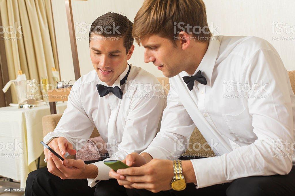 Hombres Bien Vestidos Foto De Stock Y Más Banco De Imágenes