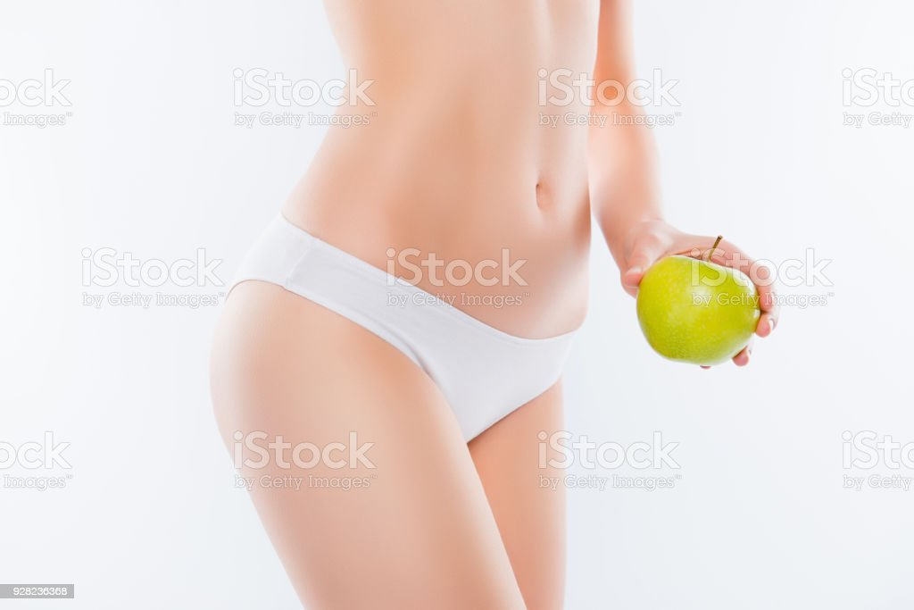 Concepto de bienestar wellness cosmética del intestino. Recorta cerca foto  de cuerpo mostrando mano verde 0af90088d1f3