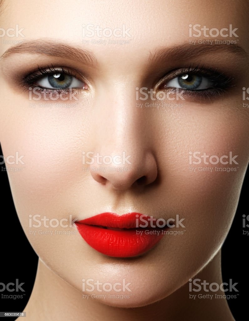 Wellness, cosmetics and chic retro style. Close-up portrait of s foto de stock royalty-free
