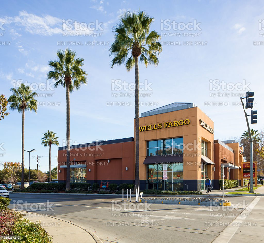 Well's fargo bank outlet in Campbell California stock photo
