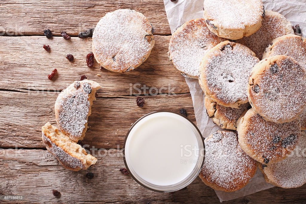 Welsh cuisine: cakes with raisins and powdered sugar close-up stock photo