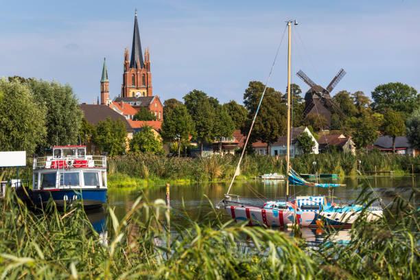 독일 브란덴부르크의 하벨 도시에서 베르더 - 브란덴부르크 주 뉴스 사진 이미지