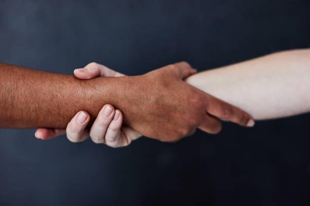 當我們團結在一起時, 我們更強大。 - black power 個照片及圖片檔