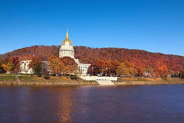 ウエストバージニア州会議事堂 - 柱頭 ストックフォトと画像