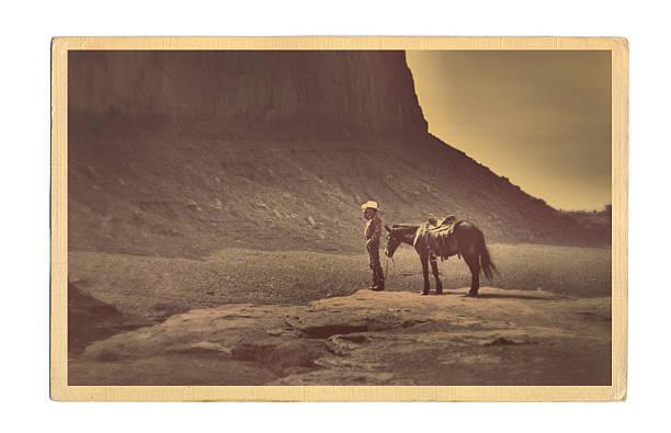 western cowboy retro tarjeta postal - postal worker fotografías e imágenes de stock