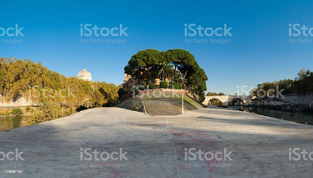Western end of Isola Tiberina stock photo