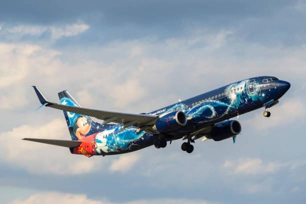 Westjet airlines flying against sky from george bush intercontinental picture id1049441752?b=1&k=6&m=1049441752&s=612x612&w=0&h=wjroour9zrkqf8vrugcqtlhoyotzsg5i8qrdgprfn o=