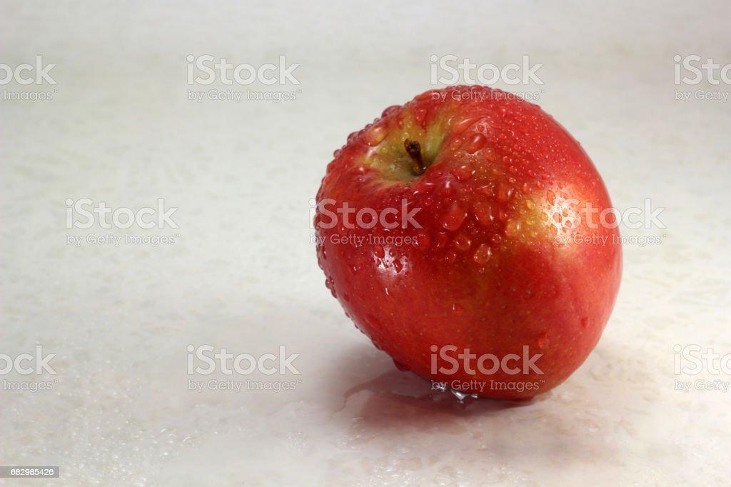 Wet apple foto de stock royalty-free