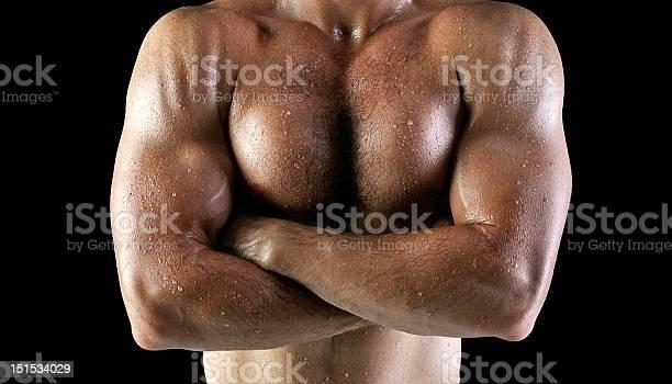 Hombre Cuerpo Con Fregadero Foto de stock y más banco de imágenes de Actividad