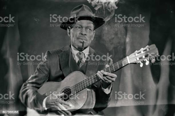 Wet plate look like photo of vintage african american jazz musician picture id807388088?b=1&k=6&m=807388088&s=612x612&h=zodzoeyyxibkw2yq 1kalipeu msjp i36arc9u6edu=