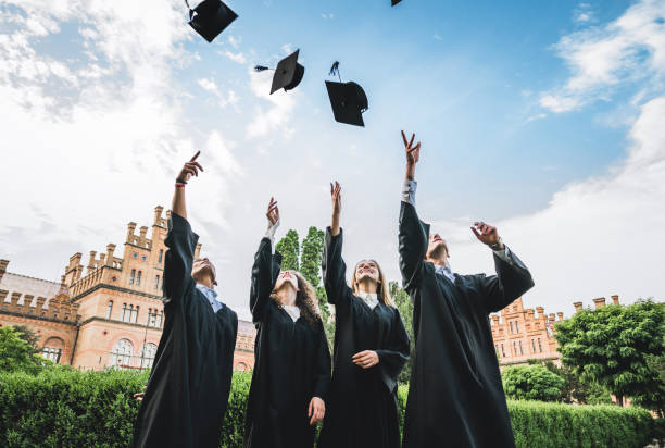 hemos finalmente graduada. - graduation fotografías e imágenes de stock