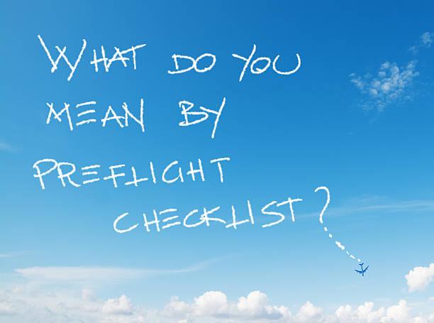 was meinen sie von preflight-checkliste? - schrift am himmel stock-fotos und bilder