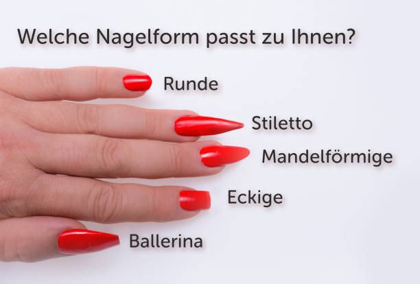 welche form der nagel sie passen würde?  (deutsch) - nails stiletto stock-fotos und bilder